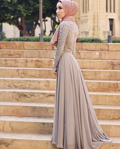 Love this cute hijab style looks soo beautiful and amazing on her love it.