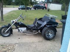 Every Kid really wants to ride Tricycles. By using Tricycles, Kids can find out the pedaling and Stee Custom Trikes, Custom Motorcycles, Trike Motorcycles, Choppers, Vw Trikes For Sale, Hot Rods, Trike Chopper, 3 Wheel Motorcycle, White Tractor