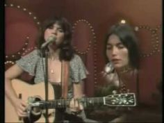 ▶ Linda Ronstadt and Emmy Lou Harris - I Can't Help It If I'm Still In Love With You - YouTube