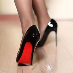 blur #nylons #highheels #christianlouboutin #louboutin #sokate