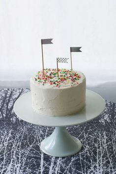 Simple Black and White Party + Cake.
