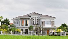 Luxury House & Lot For Sale in Biñan, Laguna, Philippines Simple House Design, Cool House Designs, Dream House Plans, My Dream Home, Dream Houses, Morden House, Philippines House Design, Facade House, House Facades