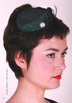 Green Berlin. Satin, rooster feather and swarovsky.