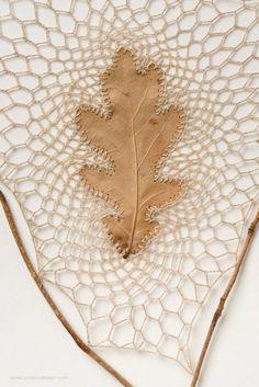 Acorn Crafts, Leaf Crafts, Nature Crafts, Nature Decor, Autumn Crafts, Dry Leaf Art, Embroidery Leaf, Leaf Texture, Crochet Leaves