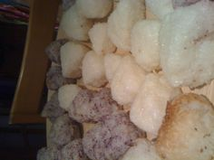 Onigiri Japanese Meals, Japanese Food, Dairy, Bread, Cheese, Brot, Japanese Dishes, Baking, Breads