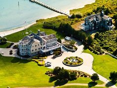 Coastal mansions in Martha's Vineyard