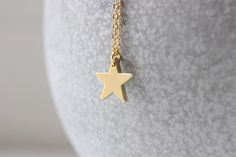 Ketten mittellang - Kette vergoldet Stern matt gold - ein Designerstück von Kamiko-Duesseldorf bei DaWanda