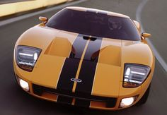 Latest reports say that another legend from Ford could be returning to the market. We could hear that the 2015 Ford GT40 is being prepared to be reintroduced and again to bring some serious performances to large number of fans that will be quite interesting in this vehicle.