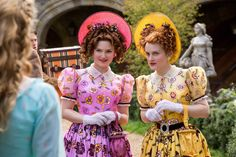 Holliday Grainger as Anastasia and Sophie McShera as Drisella in Cinderella The step-sisters had awful pink and yellow gowns in contrast to Ella's pale blues. Cinderella 2015, Cinderella Makeup, Cinderella Stepsisters, Cinderella Live Action, Cinderella Movie, Cinderella Costume, Cinderella Carriage, Halloween Costumes For Sisters, Disney Films