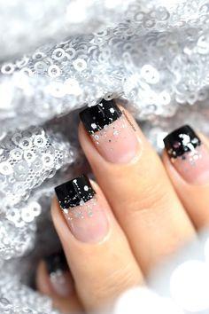 Nailstorming - Happy New Year Nail Art! - festive nails - negative space - glitter - manucure nouvel an - bonne année - color block