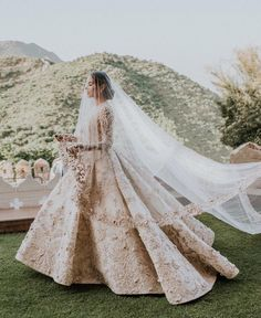 Trending Diipa Khosla's Destination Wedding In Udaipur is part of Indian wedding gowns - Fashion influencer Diipa Khosla's glamorous destination wedding in Udaipur For more such updates visit ShaadiWish com wedding planning website Indian Wedding Gowns, Desi Wedding Dresses, White Wedding Gowns, Indian Bridal Outfits, Gorgeous Wedding Dress, Bridal Dresses, Indian White Wedding Dress, Dress Wedding, Indian Bridal Lehenga