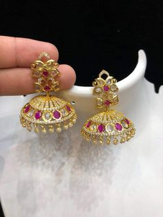 New jhumka designs in gold 1 Gram Gold Jewellery, Gold Jewelry, Jhumka Designs, Gold Light, Saree, Gallery, Earrings, Collection, Dresses
