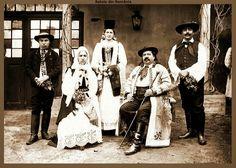 Familie sasi ! Folk Costume, Eastern Europe, Folklore, Romania, Culture, Lamb, Germany, Traditional, Grey