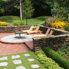 Herringbone Brick Pavers Patio Design and Ideas for Outdoor Living Patio is kidney shaped with crepe myrtle trees designed in the pavers. Brick Paver Patio, Brick Patios, Stone Patios, Backyard Patio Designs, Backyard Landscaping, Patio Ideas, Backyard Ideas, Garden Ideas, Pavers Ideas