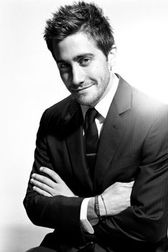 Jake Gyllenhaal-- narrating the audiobook of Great Gatsby?!?! Too excited