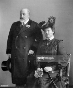 UNSPECIFIED - MAY queen Mary Amalia of Orleans , wife of king of Portugal in here posing with king Edward VII of England november 1904 in London (Photo by Apic/Getty Images) Queen Victoria Children, Princess Victoria, Emperor Of India, Alexandra Of Denmark, King Edward Vii, Prince Albert, London Photos, Queen Mary, Poses