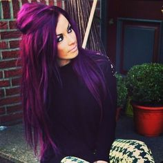 40 Stunning Purple Hair Color Ideas in 2019 Street Style Inspiration Purple Hair color hair Ideas Inspiration purple Street Stunning Style Dark Purple Hair Color, Funky Hair Colors, Cool Hair Color, Brown Hair Colors, Faded Purple Hair, Violet Hair, Lilac Hair, Pastel Hair, Chocolate Brown Hair Color