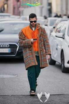 Milan Men's Fashion Week: All the best street style snaps from the fall/winter 2019 runway season  <br> #MMFW Italy Street Fashion, Milan Men's Fashion Week, Italy Fashion, Mens Fashion Week, Cool Street Fashion, Paris Fashion, Autumn Fashion, Street Style, Mens Fall