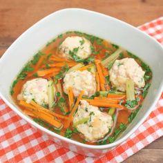 Zobrazit Hovězí polévka se šunkovými knedlíčky receptů
