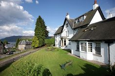 I've been here!  It's amazing and wonderful.      Cute B and B in Loch Ness