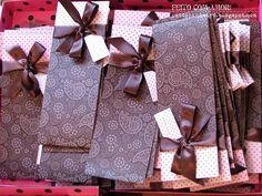 Convite 15 anos - Rosa & Marrom  ♥ Formato 46x10cm, impressão frente e verso, papel couchê 230gr, laminação fosca, laço de cetim e cartãozinho com nome do convidado - preço por unidade R$ 4,50 ♥ 150 tags, 5x3cm, convites individuais - preço por unidade R$ 0,50 - valor cobrado R$ 0,30 ♥ Impressão mínima de 100 convites ♥ Prazo para confecção 15 dias R$495,00