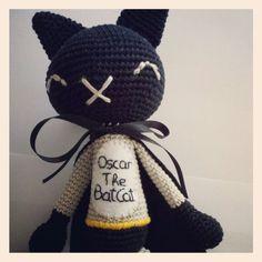 Oscar The BatCat vuela hoy mismo a Singapur! Estamos felices de hacer envíos internacionales!