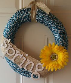 beautiful wreath using dollar store cording or clothes line!