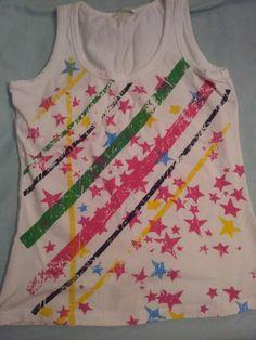 Débardeur étoiles dans T-Shirt / vêtements / mode