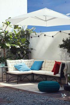 Outdoor Garden Furniture, Outdoor Decor, Ikea, Rainbow Food, Terrace Garden, Aesthetic Art, Rooftop, Balcony, Patio