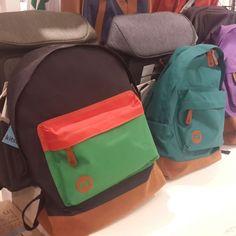 다양한 색상과 프린트가 특징인 영국 스트리트 브랜드 mipac(마이팩)의 캐주얼 백팩 @롯데백화점 kitson