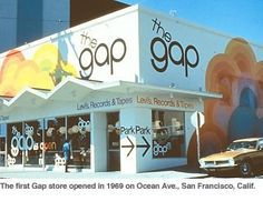 1969, first Gap store. Love the mural, and the logo is better than the current one.
