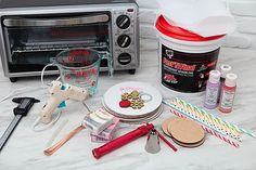 Diy Whipped Cream, Whipped Topping, Small Toaster Oven, Make A Mug, Cream Mugs, Clay Extruder, Oven Bake Clay, Frosting Tips, Fake Cake