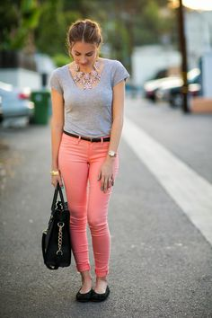 Simple gray tee shirt, peach skinny jeans, statement necklace and flats for Spring. #HelloGorgeous #OOTD