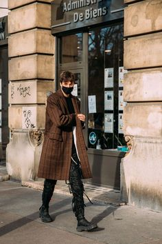 Top 12 Street Style Looks From Paris Fashion Week Mens F21 Shows Street Look, Man Street Style, Men Street, Cool Street Fashion, Street Style Looks, Street Wear, Street Style Trends, Models Off Duty, Vogue Photographers