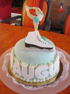 torta pattinaggio per i miei 14 anni solo che al posto del pattino sul ghiaccio metto quello a rotelle
