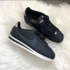 New Nike Classic Cortez Rose Gold on Mercari Casual Sneakers, Sneakers Fashion, Nike Cortez Shoes, Nike Air Max Ltd, White Nike Shoes, Nike Classic Cortez, Nike Gold, Nike Outfits, Nike Women