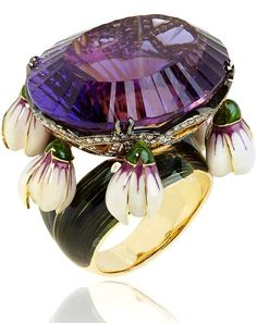 llgiz for Annoushka Crocus ring in yellow gold featuring a 47.93ct amethyst surrounded by diamonds and dangling enamel petals