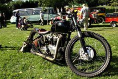 Triumph bobber 1954