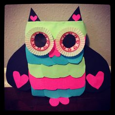 Abbi's owl valentines box! We used a cereal box, post it notes, hot glue, construction paper and cupcake liners.