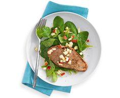 Kalbsschnitzel auf Spinatsalat mit Apfeldressing