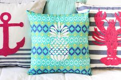 A Kailo Chic Life: Make It - A No Sew Pineapple Pillow