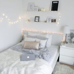 Cute Bedroom Ideas, Room Ideas Bedroom, Small Room Bedroom, Trendy Bedroom, Diy Bedroom, White Bedroom, Bedroom Inspiration, Modern Bedroom, White Bedding