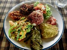 Nasi Campur at Sari Organik