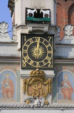 Ratusz Poznan, zegar z koziołkami / Poznan Town Hall, clock with goats. Poland