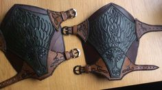 Ranger bracer by Sharpener on DeviantArt Viking Armor, Arm Armor, Leather Bracers, Leather Cuffs, Fantasy Craft, Costume Armour, Arm Guard, Leather Carving, Cosplay