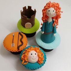 A Merida, Valente, é uma das princesas que mais gosto, adoro tudo com esse tema! Cupcakes fofíssimos por @kicapradel  #kikidsparty