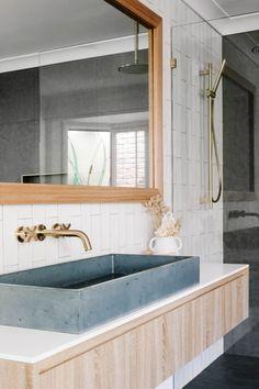 Downstairs Bathroom, Small Bathroom, Bordeaux, Coastal Bathrooms, Bathroom Trends, Dream Decor, Apartment Interior, Bathroom Interior Design, Bathroom Inspiration