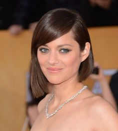 Pin for Later: The Ultimate Guide to Smoky Eyes Marion Cotillard At the Screen Actors Guild Awards, Marion Cotillard opted for a slightly winged-out smoky eye.