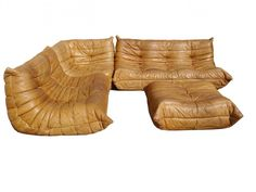 Vintage design furniture on doyoulovedesign com on pinterest fritz hansen - Ligne roset togo cuir ...