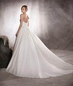 ABRIL - Robe de mariée en dentelle, décolleté en cœur, broderie et pierres fines